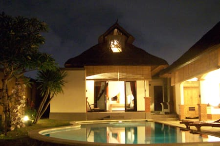 Canggu open floor villa with pool - North Kuta