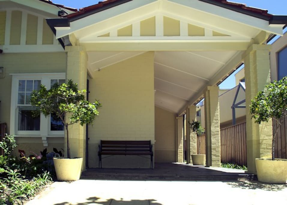 The charming frontage of Elwood Beaches -located so close to cafes and the beach