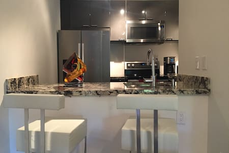 Luxurious Private Bed/Bath In Old Town Scottsdale - Scottsdale - Wohnung