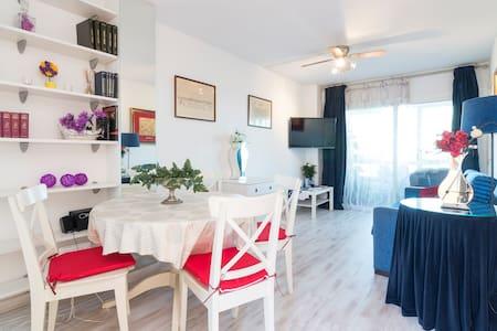 Very cute apartment AT THE BEACH