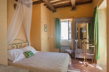 Camera Castagno in affitto a Bastia - Cagnano