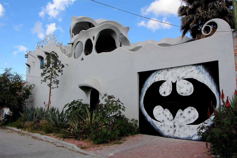 Entrance to Casa Gaudi