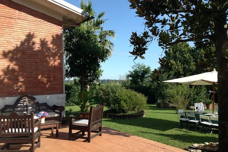 Villa in the Countryside 70km Roma
