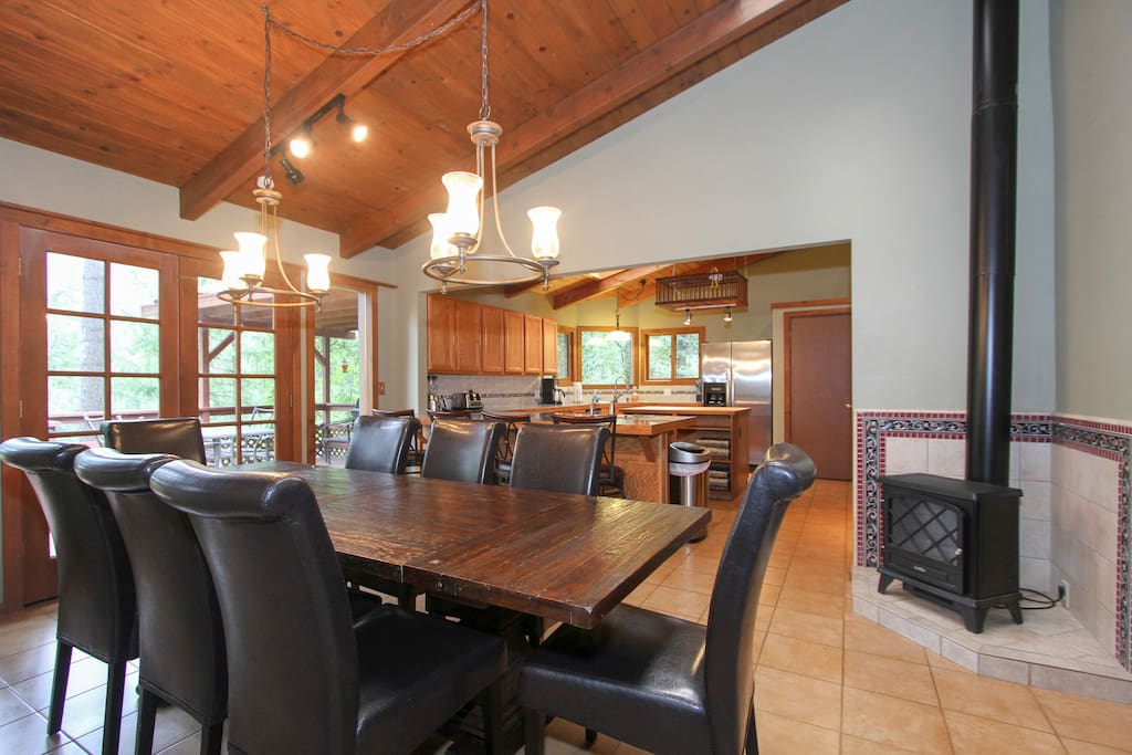 Hilltop Haven-Private/Spa/Fireplace