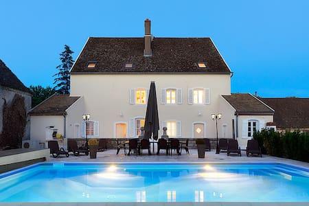Maison du Doubs - Castle