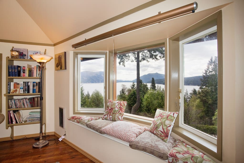 This living room looks East over Saltspring Island..........both the sun and the moon rise over the sea.