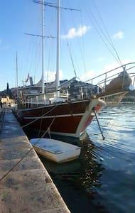 Luxury gulet ALLURE - Dubrovnik - Barco