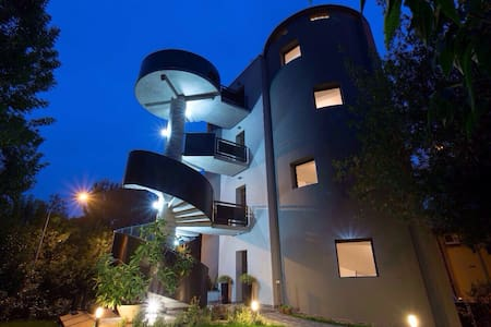 B&B Ai Silos - l'unico B&B rotondo - Bed & Breakfast