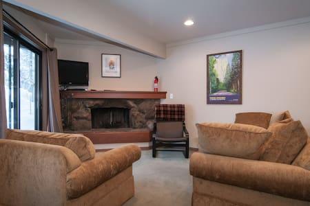Squaw Valley Tram Condominium #2 - Appartement en résidence