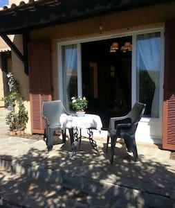 Studio avec jardin et parking privé - Bormes-les-Mimosas - Other
