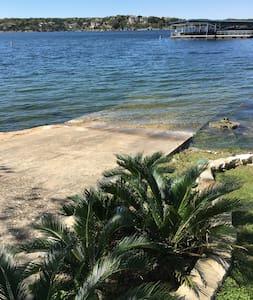 Lake Travis Resort - Ev