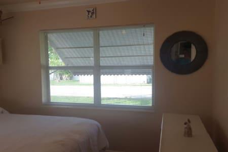 King  size bedroom - Key Largo - Casa