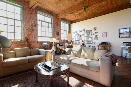 Artsy River Loft Near Downtown - Detroit - Appartamento