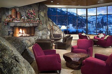 Spectacular Resort at Squaw Creek - Olympic Valley - Apartment