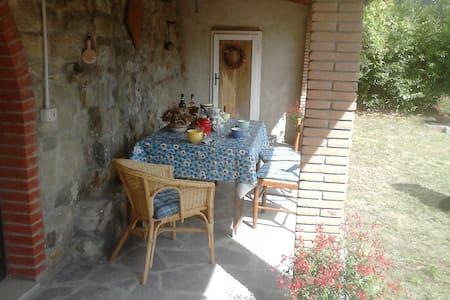 """Casa Vacanze """"Da Guazzino"""" - Province of Pistoia - Haus"""
