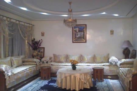 Cosy rooms in a charming villa - Villa