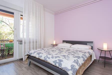 Purple double bedroom near Rijeka - House