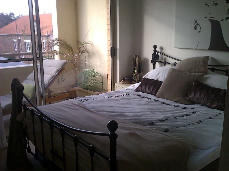 Substantial bedroom space with lots of lovely light and Queen sized bed