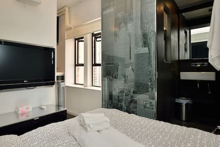 LOWEST PRICE Central SoHo #1 Studio - Central, Hong Kong - Apartment