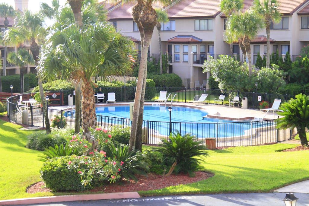 Spyglass Condo, Beautiful Gardens, Crystal Clear Pool