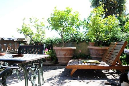 Appartamento Montacchita - Lejlighed