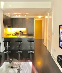 TORONTO LUXURY WATERFRONT 2BR/2BH - Toronto - Appartement en résidence