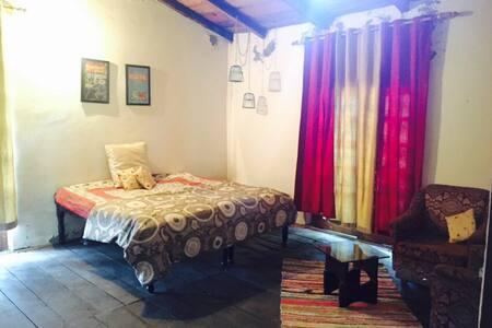cozy room in a bunglow in Lansdowne - Lansdowne - Bungalow