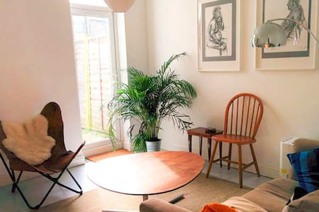Large Bright Room in Beautiful Architect's Home - 伦敦 - 独立屋