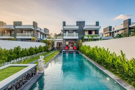 Bali Diamond Estate,3BR Beachfront