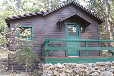 Cabin #6   Two Single Beds - Kisház