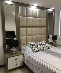 Luxury Bedroom with Amazing Views - Társasház