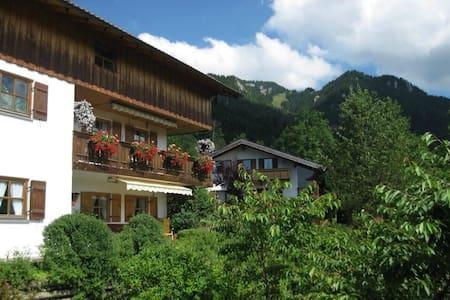 Traumhafte Ferienwohnung - Fischbachau - Daire