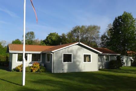 Summer house in sea area - Farsø