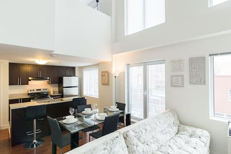 Old Montreal Luxury Loft-7