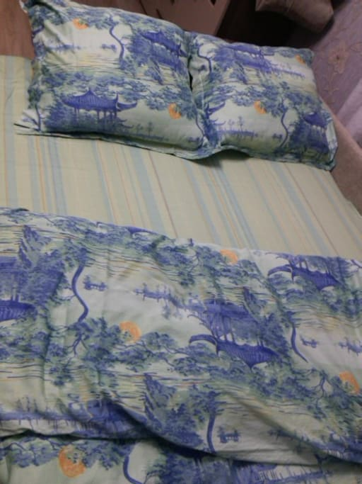 Кровать - диван на пружинном блоке