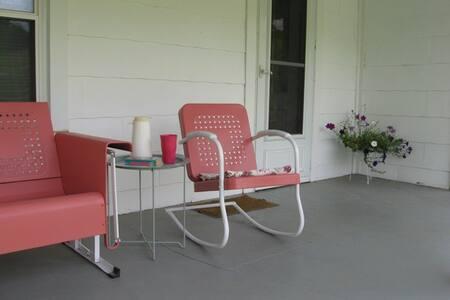 Scenic Southwest Virginia farmhouse - Duffield - Haus