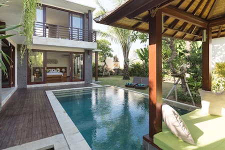 Bali Rice Paddy Luxury Villa w/Pool - North Kuta