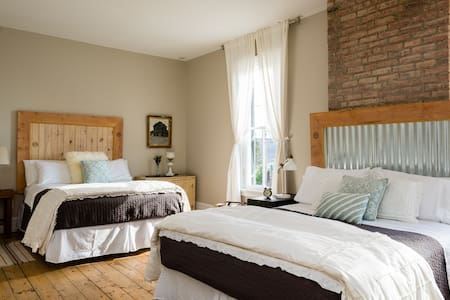 9 Private Rooms in Boutique Hotel - Athens - Bed & Breakfast
