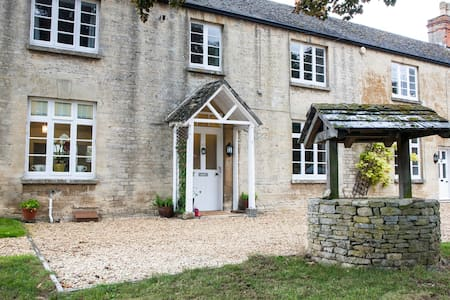 Gorgeous Cotswolds farmhouse - Oxfordshire