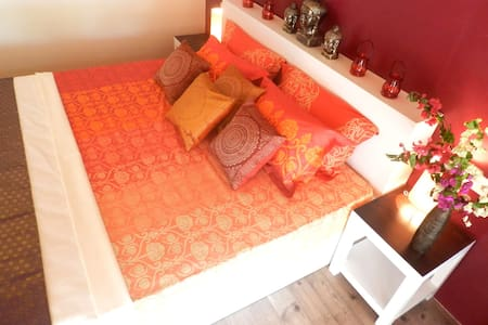 Private cottage with river view - Poovar