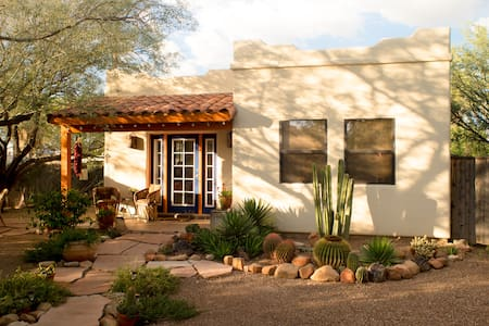 SUMMER RATES June 1 to Sept 30th- Average is $ 55 - 85 per night for this charming central Tucson casita with complete kitchenette, new 3/4 bath and large bedroom/living space with queen size bed.
