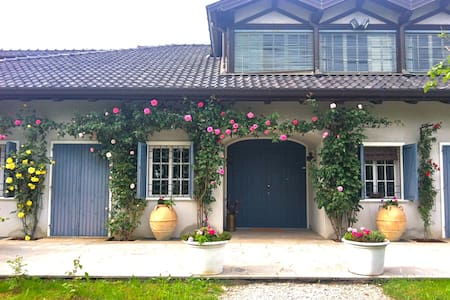Charming suite in countryside villa - Bed & Breakfast