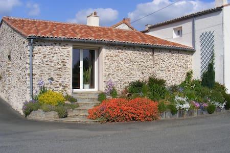 Studio sur les coteaux de la Loire - Drain