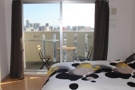 地处難波和道顿堀中间的高级公寓、距黑门市场、南海电车步行五分钟 - Ōsaka-shi - Lägenhet