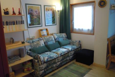 Bright three-room apartment - Apartmen