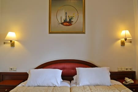 Cute room with a view!! - Delfi - Bed & Breakfast