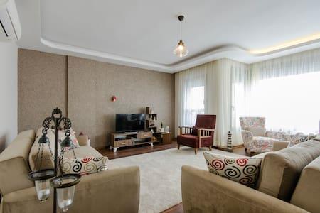 Sea view new apartment in Karşıyaka - Apartamento