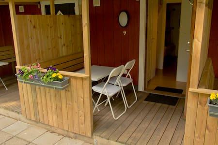 Fyrbäddsrum med delad dusch - Borgholm