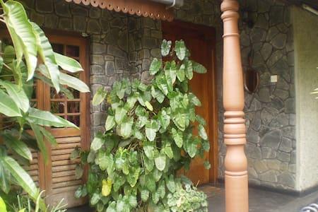 Kadugannawa Holiday Home - Ev