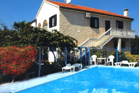 Apartment 5 persons in Funtana - Byt